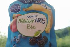 Nestlé NaturNes BIO Jablko, banán, borůvka, ostružina